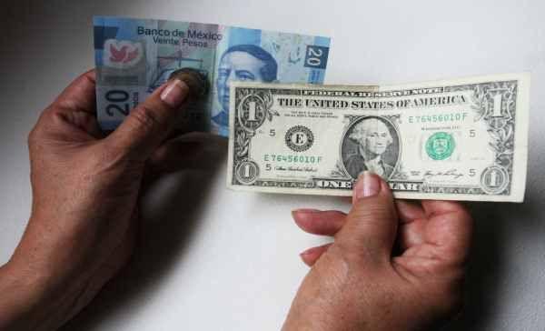 Dólar se vende en $20.75 pesos en aeropuerto capitalino